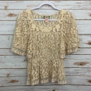 Flying Tomato Beige Butterfly Sleeve Lace Top